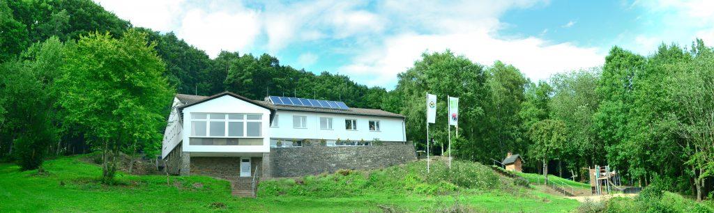 Vorderansicht Schullandheim Kronenburg